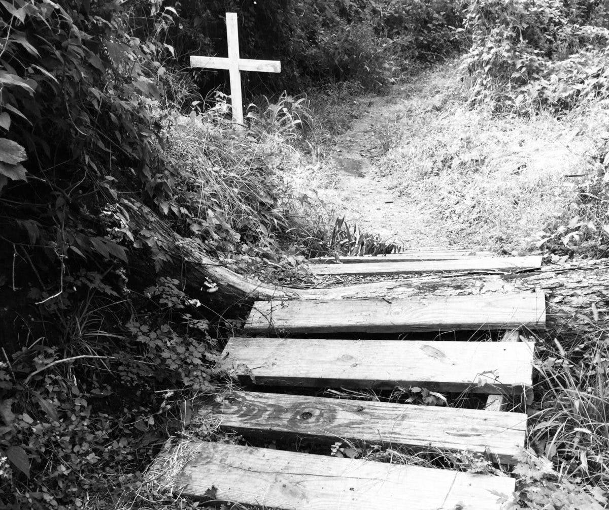 texas-historical-marker-hodges-bend-cemetery-stair-bw