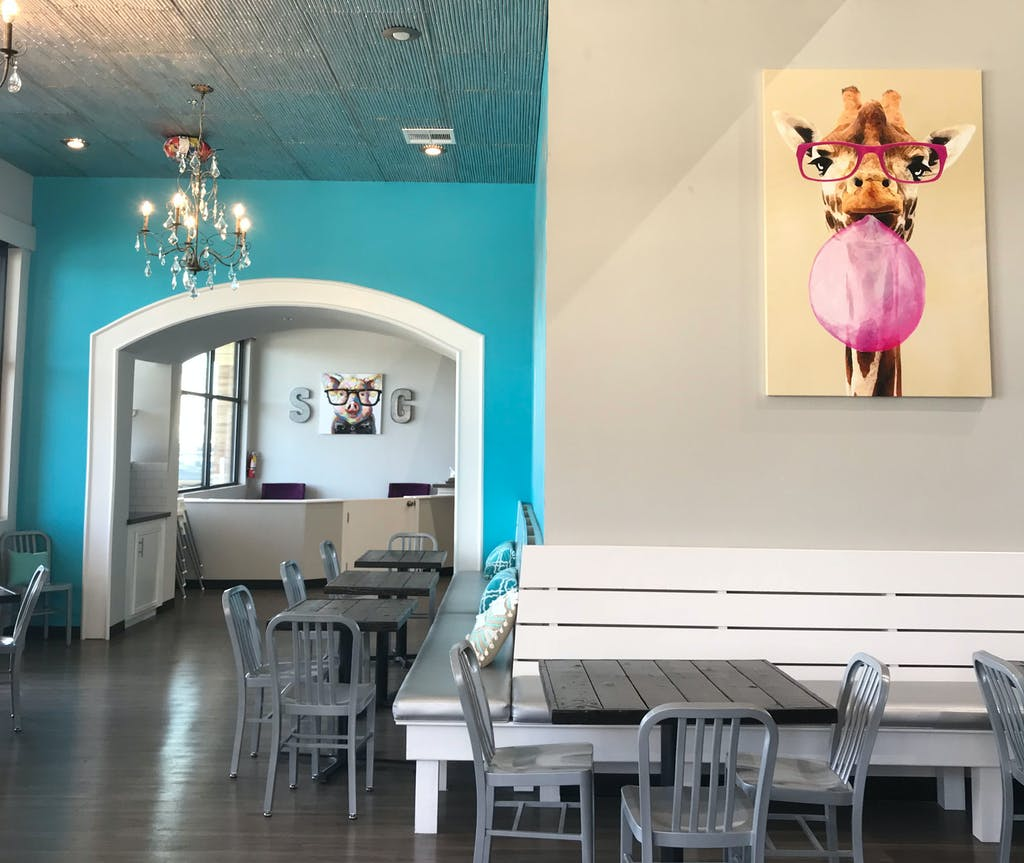 Stomping-Grounds-katy-tx-Interior-restaurant