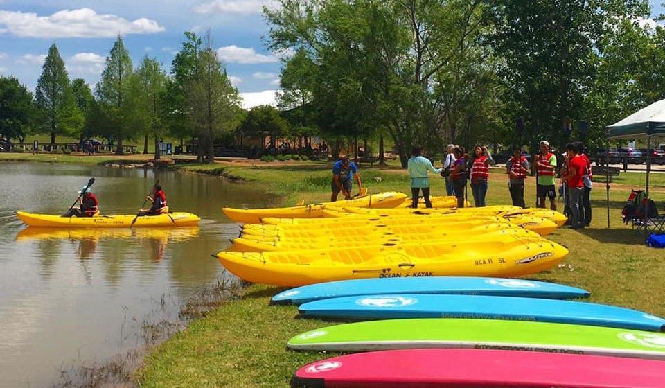 kayaks-sugar-land-memorial-park-3