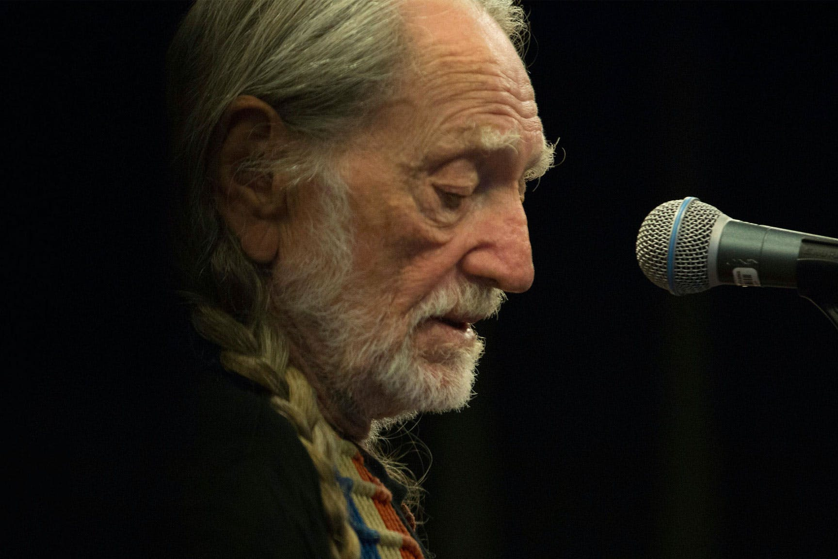 willie-nelson-smart-financial-centre-sugar-land-texas