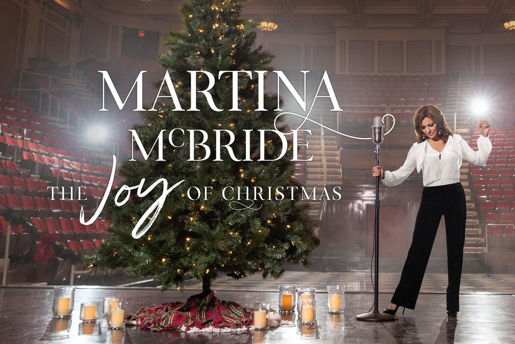 Martina-McBride-The-Joy-of-Christmas-2018-Smart-Financial-Centre
