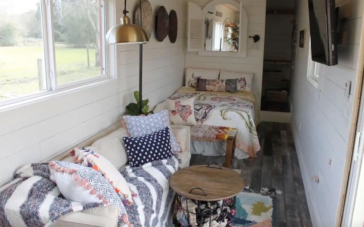 Tiny-House-Needville-Texas-Shipping-Container-Inside-4