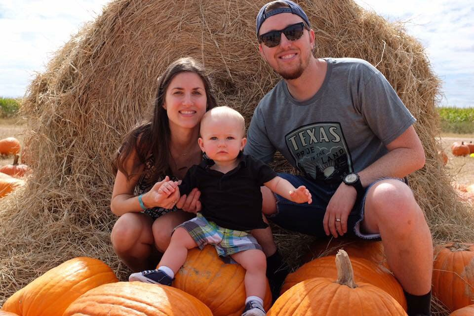 family-night-halloween-pumpkin-patches-fort-bend-texas