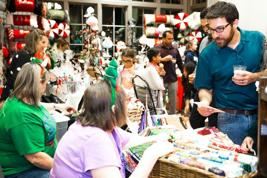 8-Places-To-Find-Christmas-Gift-In-Fort-Bend-County
