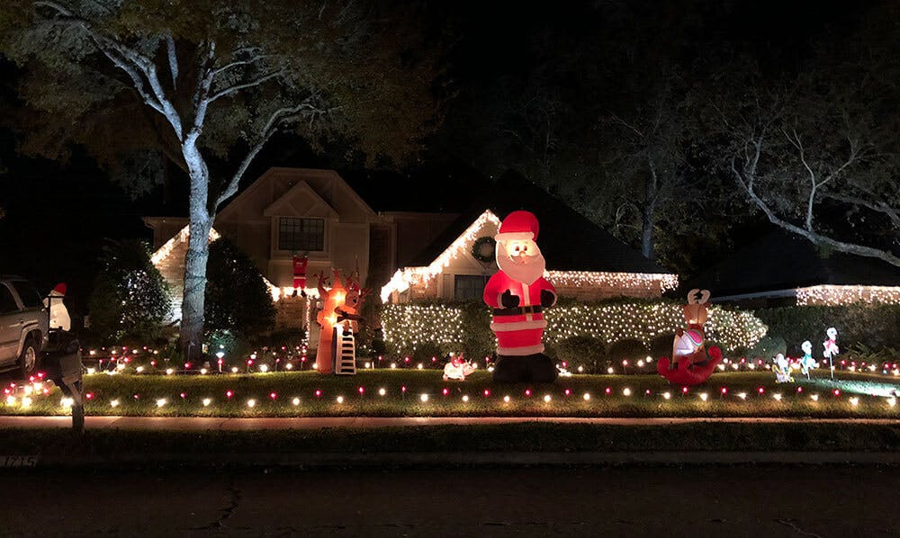 We've put together a collection of Christmas lights photos for you below…  Feel free to share your photos on our Facebook page. - PHOTOS: Pecan Grove Christmas Lights #MyFortBend